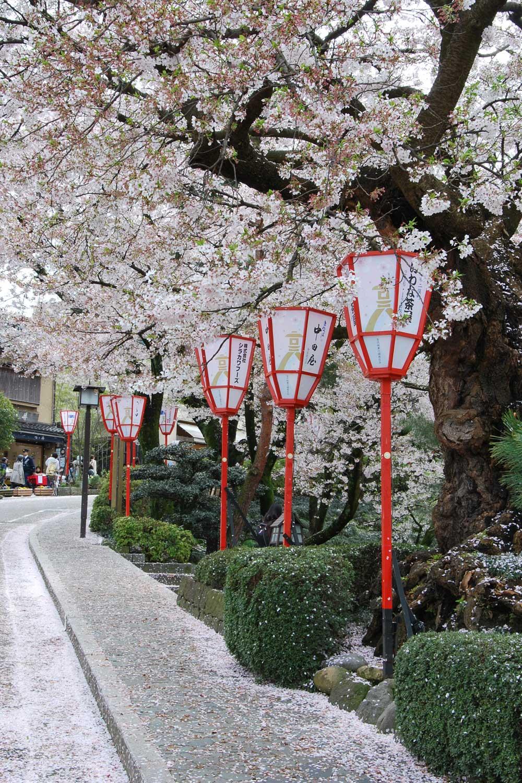 kanazawa-2016-chateau-ishikawa-gate--ruelle-1