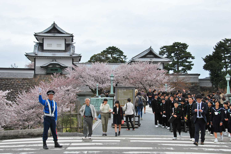 kanazawa-2016-chateau-ishikawa-gate