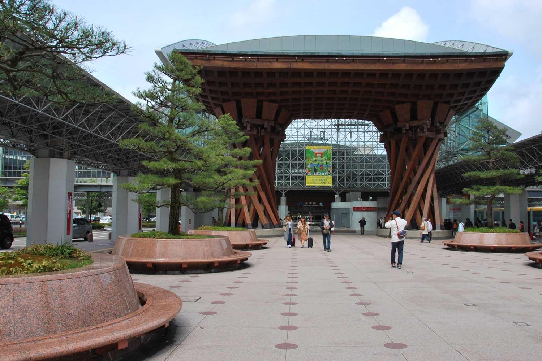 kanazawa-2016-gare-exterieur