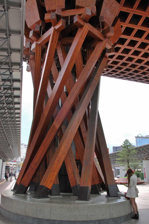 kanazawa-2016-gare-interieur.torii