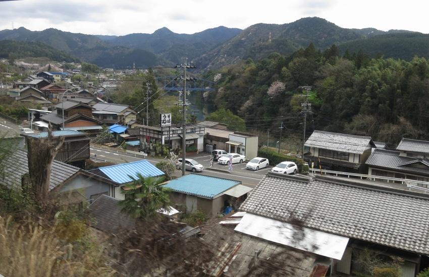 vue-train-nagoya-takayama.2-jpg