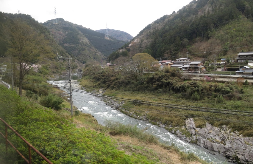 vue-train-nagoya-takayama