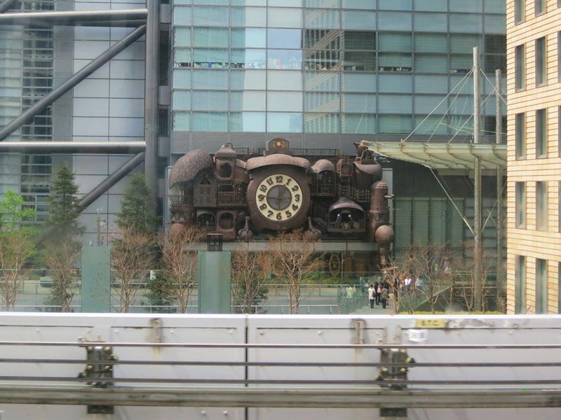 tokyo-odaiba-horloge-monorail