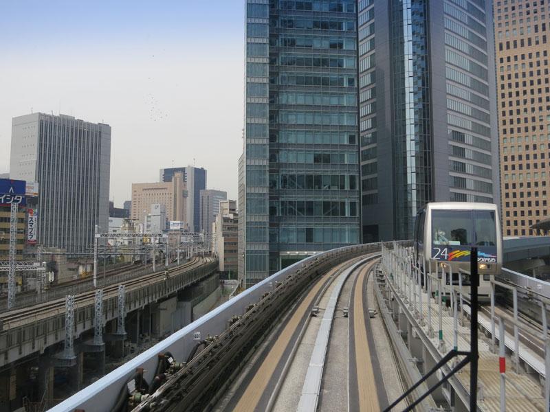 tokyo-odaiba-monorail1