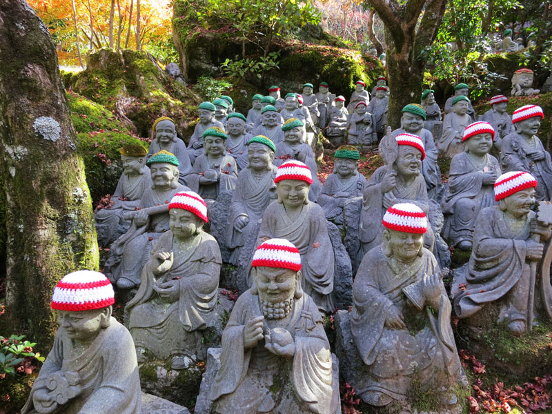 Miyajima-2017-daishoin-statues