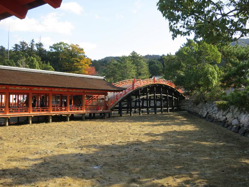 Miyajima-2017-sanctuaire-itsukushima-pont-noir