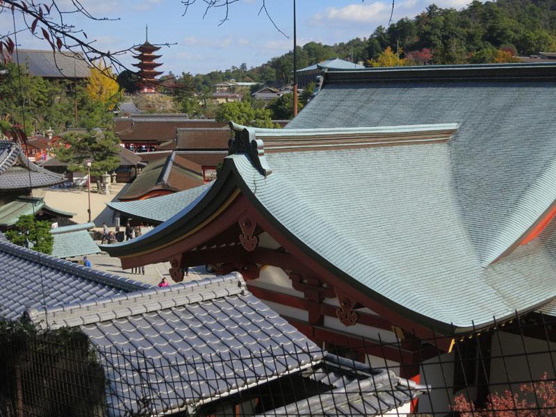Miyajima-2017-toitures-vers-daishoin