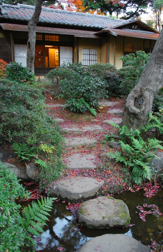 tokyo-2017-meguro-teien-art-museum-garden