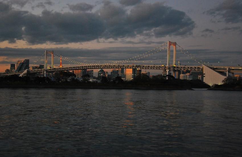 tokyo-2017-odaiba-rainbow-bridge-crepuscule