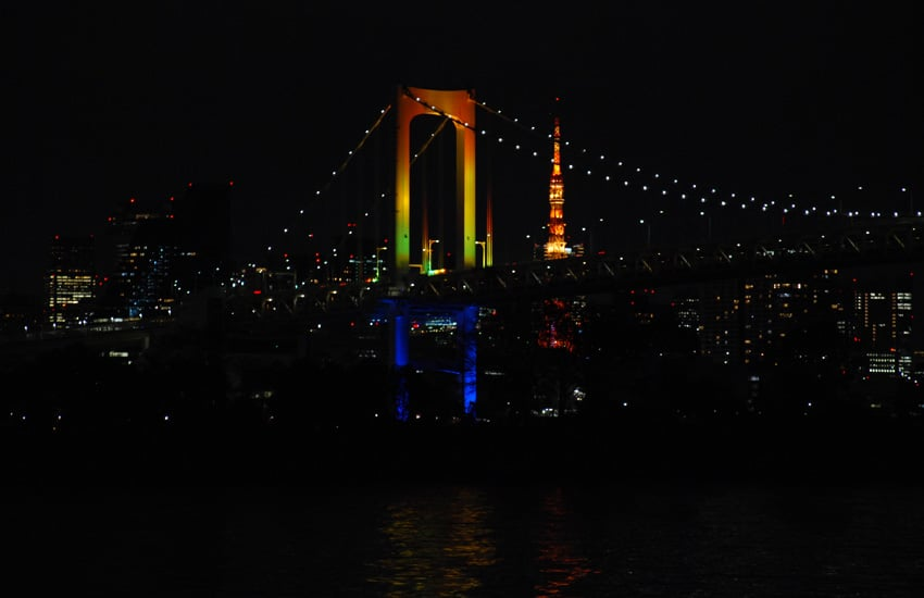 tokyo-2017-odaiba-rainbow-bridge-nuit