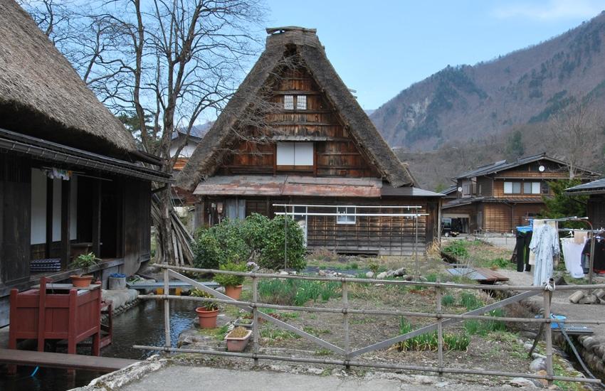 maison-canaux-shirakawago-2016