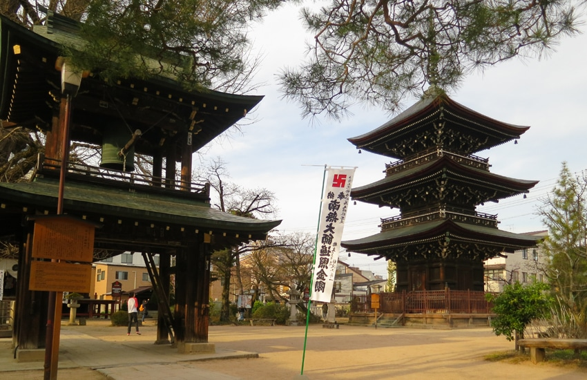 temple-hida-kokubunji-5-takayama-2016