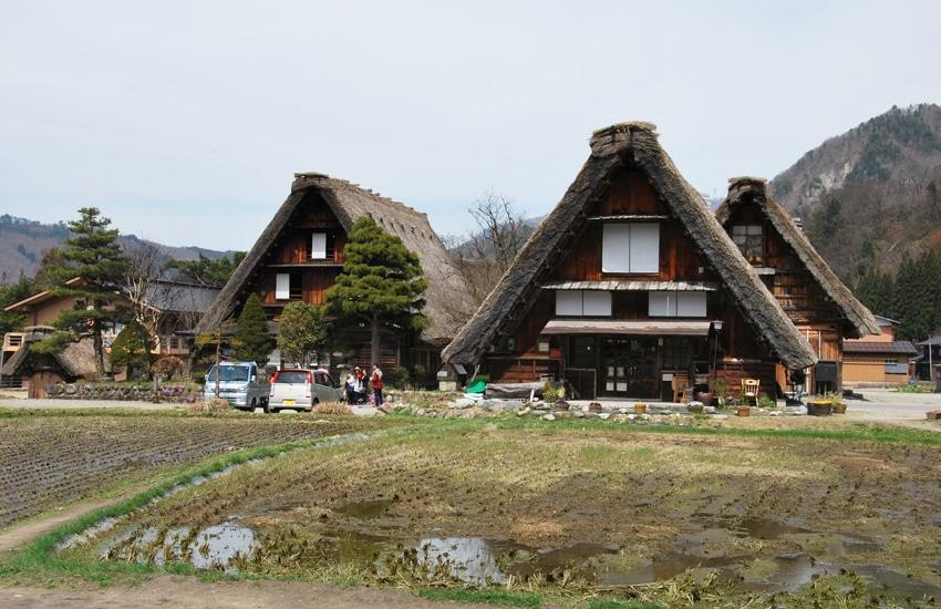 village-ogimachi-4-shirakawago-2016