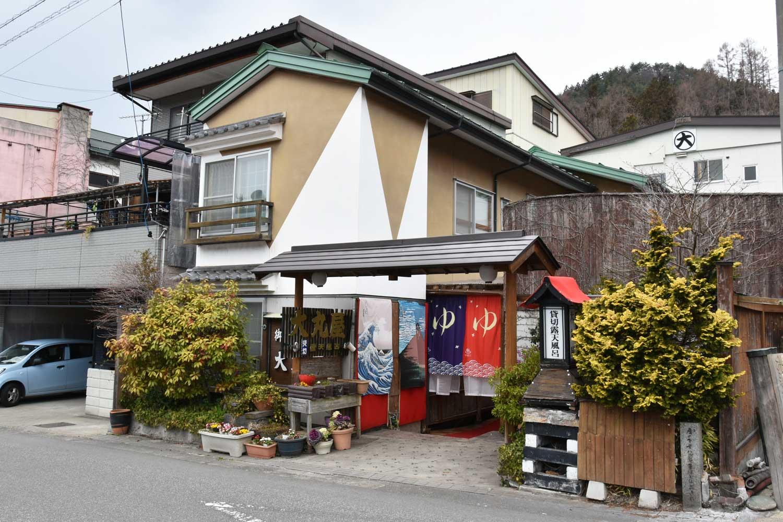 jigokudani-2019-shibu-onsen-ryokan-riviere