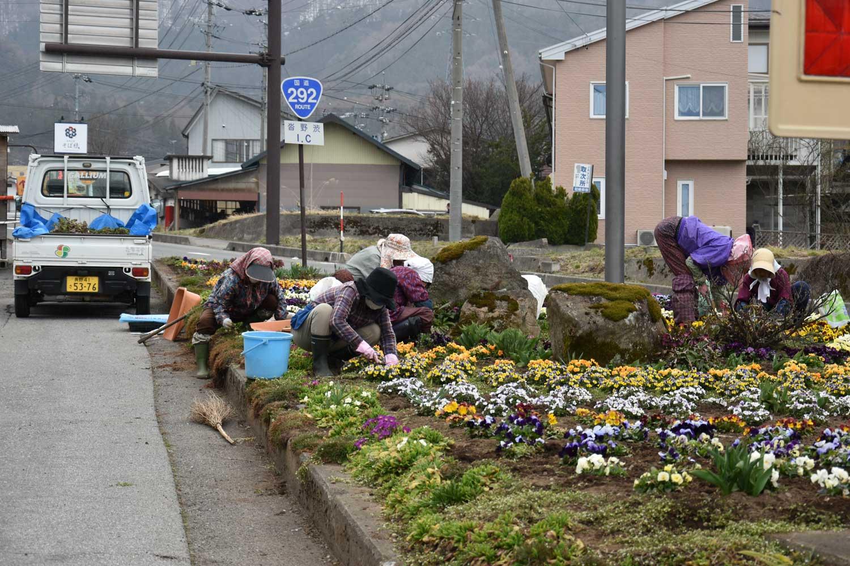 jigokudani-2019-shibu-onsen-vers-jigokudani-balade-mamie-fleurs