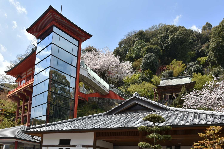 fukuoka-2019-yutoku-inari-ascenseur