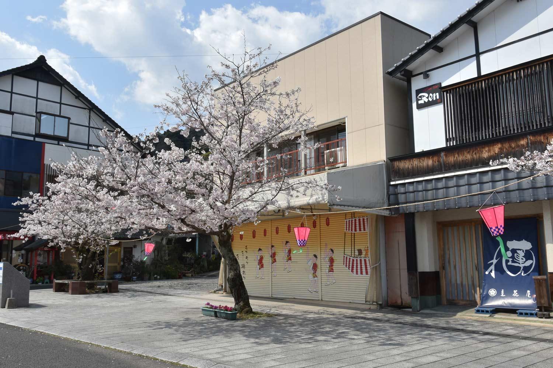 fukuoka-2019-yutoku-inari-rue-commercante-8
