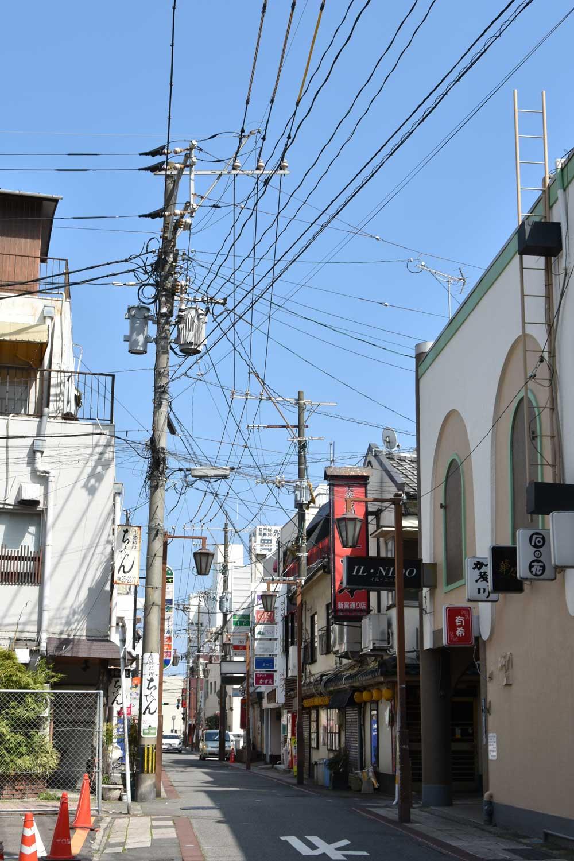beppu-2019-balade-en-ville-cables-electriques-2