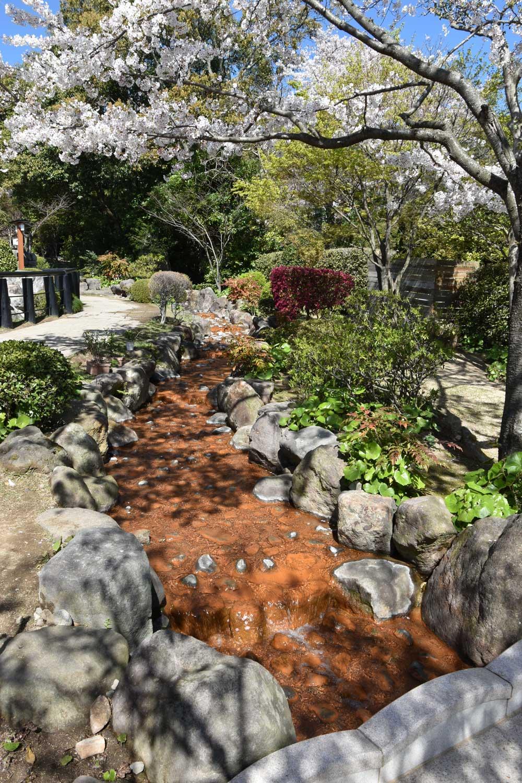 beppu-2019-oniishibozu-jigoku-riviere