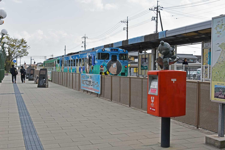 sakaiminato-2019--gare-parvis-train-statue-kitaro-5-6