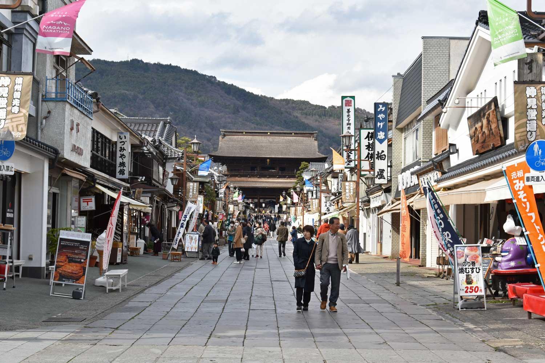nagano-2019-temple-zenkoji-allee-marchande