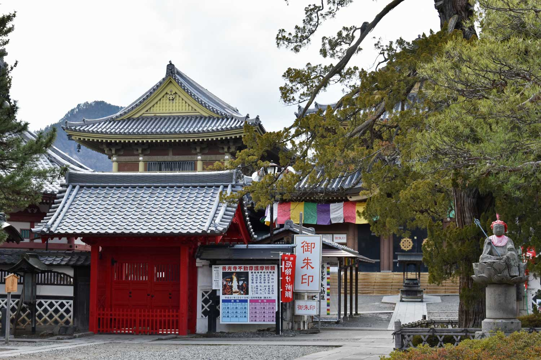 nagano-2019-temple-zenkoji-autour