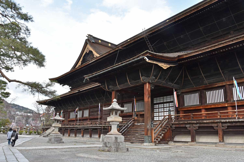 nagano-2019-temple-zenkoji-cote