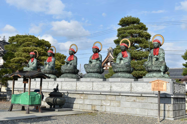 nagano-2019-temple-zenkoji-place-statues