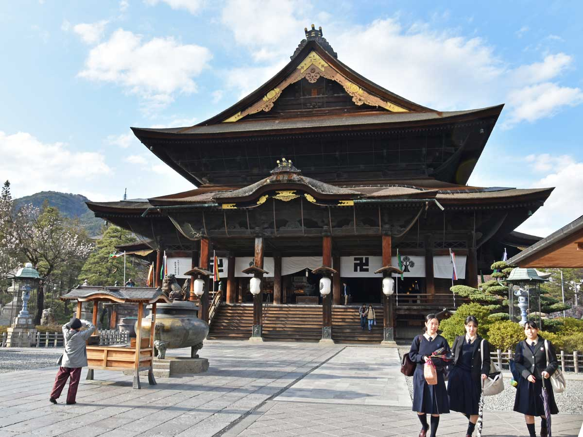 nagano-2019-temple-zenkoji