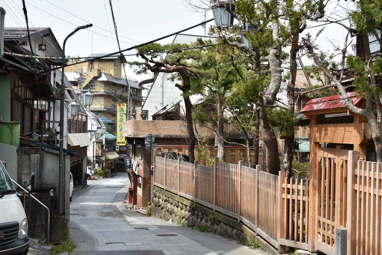 jigokudani-2019-shibu-onsen-ruelle