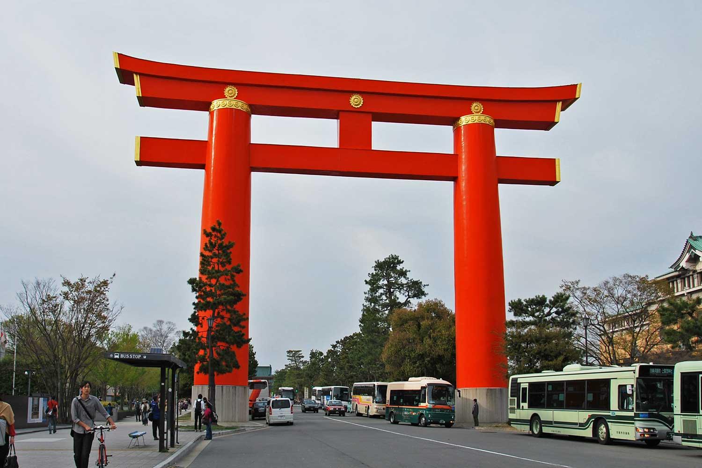 kyoto-2016-heian-jingu-torii-3