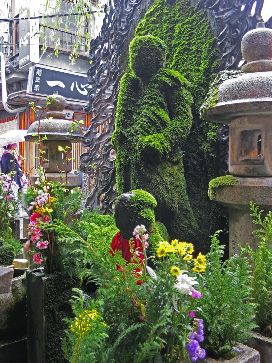 osaka-2016-hozenji-statue-1