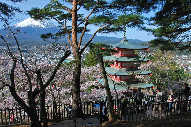 kawaguchiko-2016-fuji-chureito-pagode.spot-photo