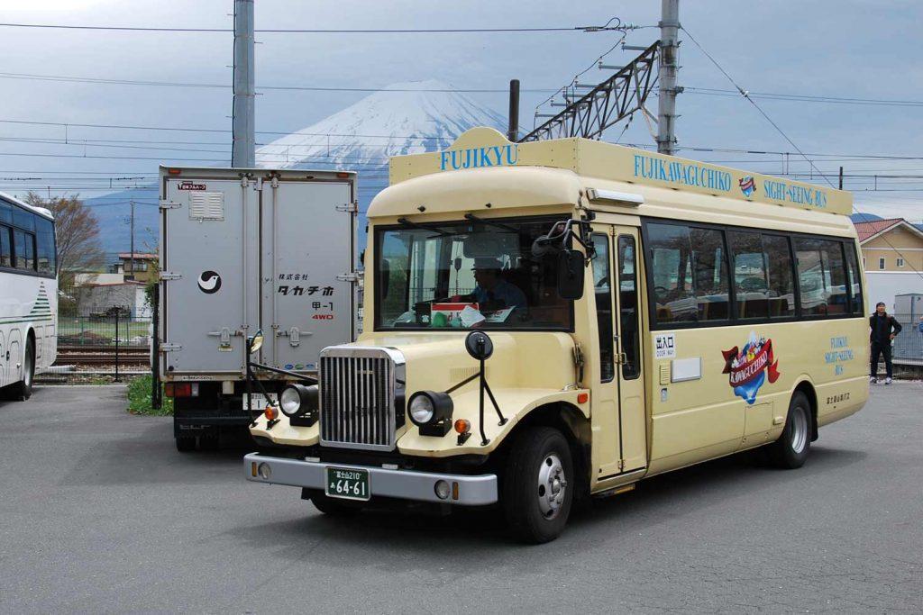 kawaguchiko-2016-gare-bus-red-line-fuji