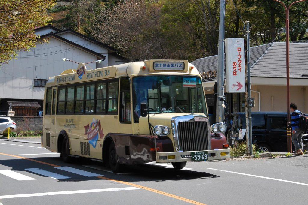 kawaguchiko-2016-lac-bus-red-line