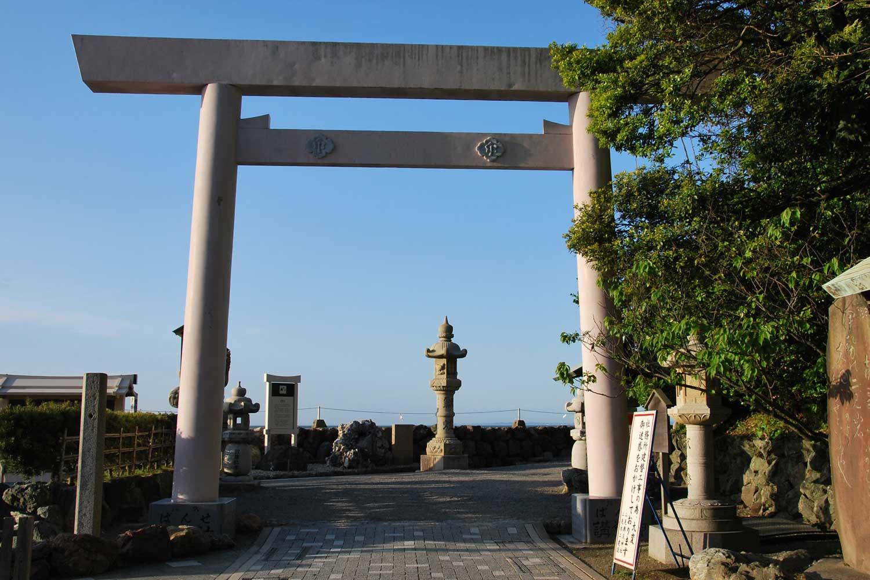 toba-2016-meoto-iwa-sanctuaire-futami-okitama-torii-2
