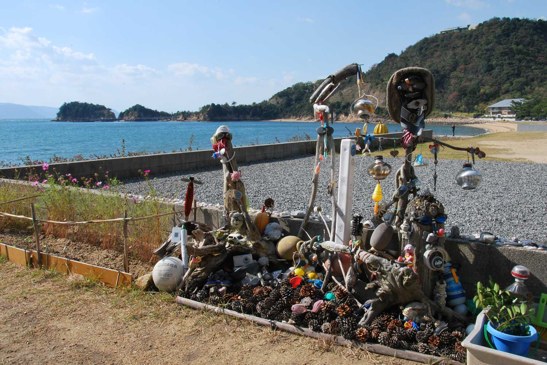naoshima-2014-plage-sculpture-de-recup